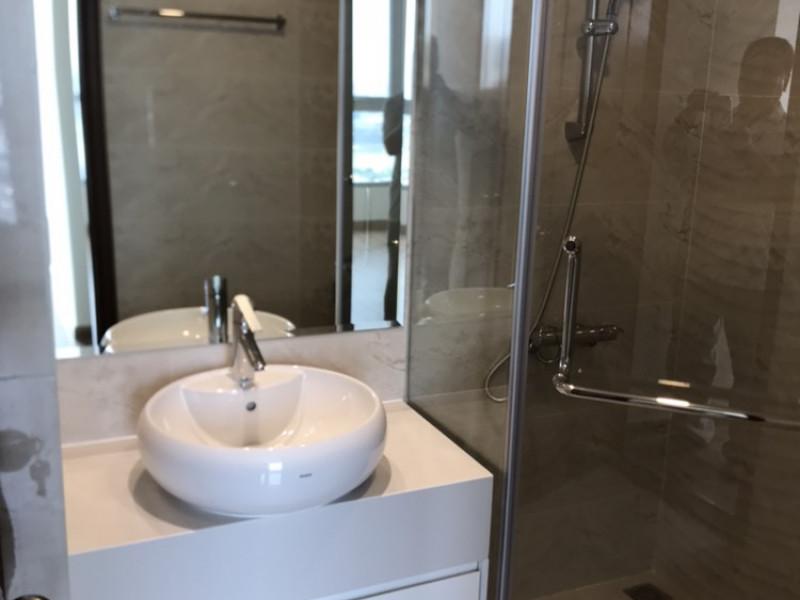 Bán Căn Hộ Vinhomes Central Park 3 Phòng Ngủ Toà Landmark nhà trống, tầng trung, giá 5ty4. Vinhomes Central Park