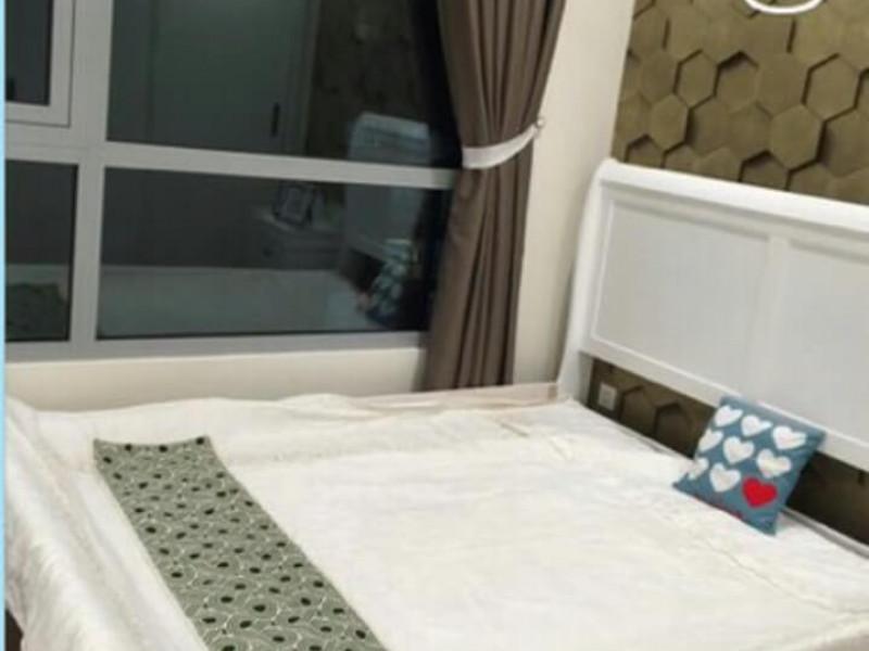 Cho thuê căn hộ Vinhomes Tân Cảng 1 phòng ngủ toà Cetral tầng trung full nội thất giá 700$ bao phí