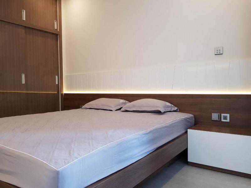 Cho Thuê Căn Hộ Vinhomes Golden River 1 Phòng Ngủ Toà Aqua 1  Full Nội Thất Giá 950 USD