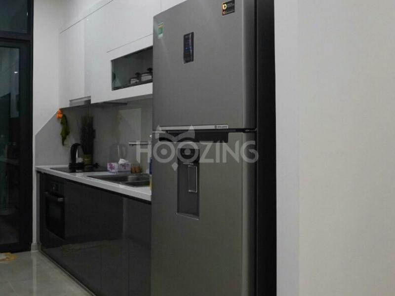 Cho Thuê Căn Hộ Vinhome Golden River 2 Phòng Ngủ  Full Nôi Thất 1400 USD, Không Bao Phí