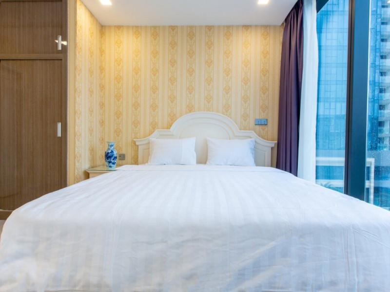 Cho Thuê Căn Hộ 3 Phòng Ngủ Vinhomes Golden River Quận 1 Full Nội Thất Giá 2000, bao phí