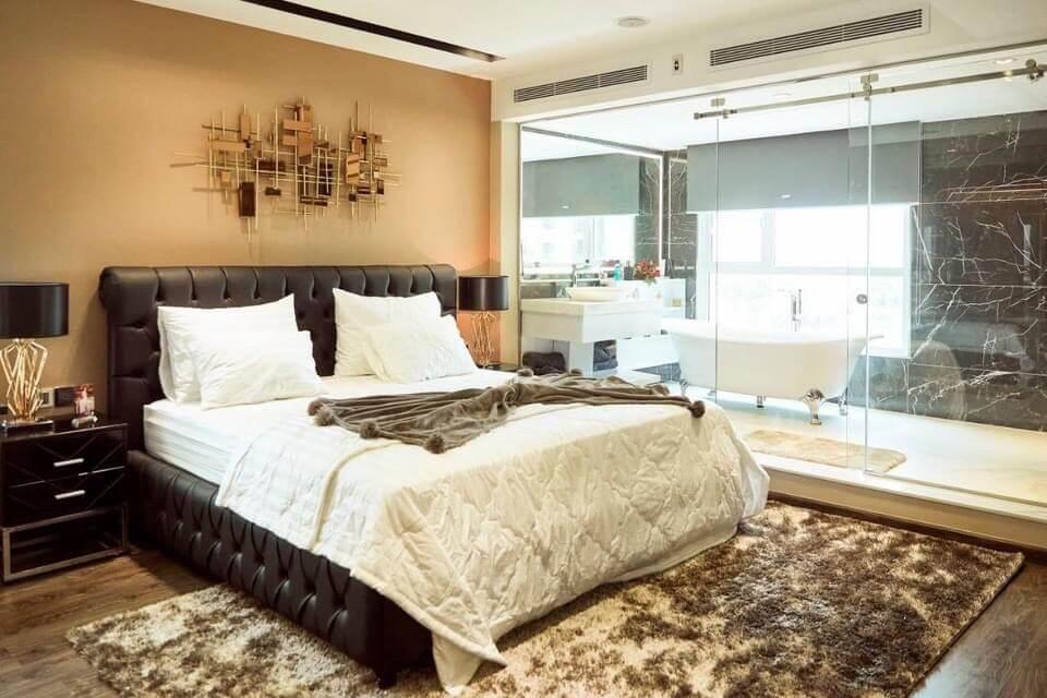 Phòng ngủ căn hộ đầy đủ ánh sáng